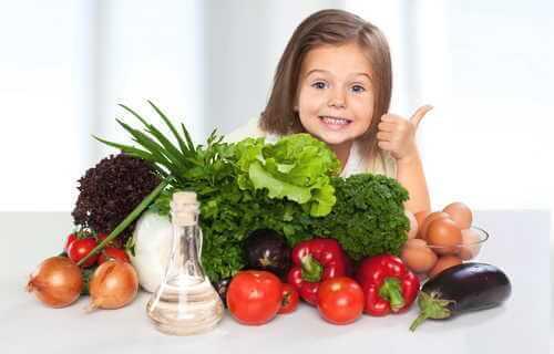 野菜や果物を中心とした献立にしよう