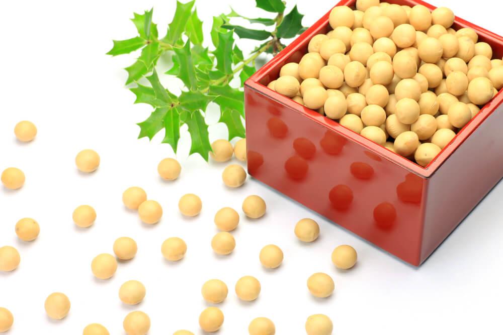 豆まきのお豆の豆知識。煎った大豆を使う理由とは?